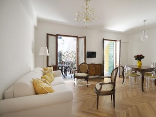 Alba apartment in Santa Croce with WiFi, integrated air conditioning, private te