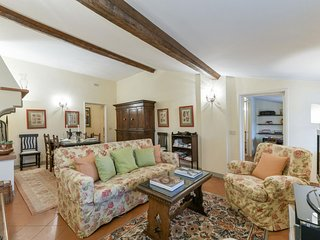Spacious Tosca Suite  apartment in Santa Croce with WiFi, integrated air conditi