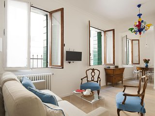 Renata apartment in Santa Croce with WiFi, integrated air conditioning, private