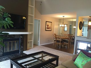 Beautiful Condo Centrally located in San Diego