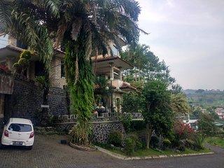 Villa Pinggir Bukit Vila Beverly Hills Puncak