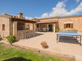 COLONYA JAUME  country holiday home,3 bedrooms ,2 bathrooms, for 6 people.