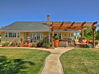 NEW! Elegant Temecula Home w/Hot Tub on Wine Trail