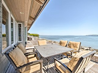 NEW! Beachfront Indianola House w/Mt Rainier Views