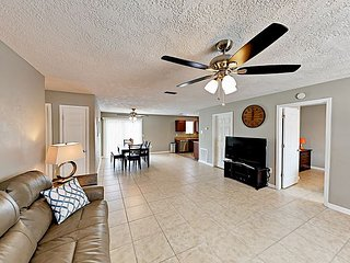 10 minutes to Sarasota Bay! 3BR w/ Yard - Walk to Shops, Ballpark & BMX Track