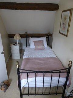 Single bedroom (second floor)