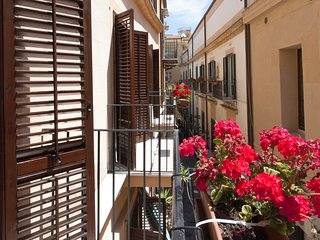 Apartment Domus Schiavuzzo flat 2 in historical center