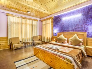 Homely 2-BR abode for a family, near Beas River