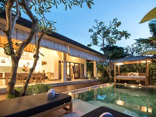 Saudara Villas / Saudara Two / 100m to Seminyak Beach.Includes Full-Time Butler!
