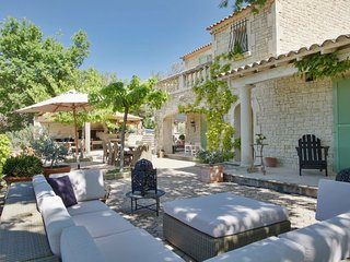 Holiday villa (8/10 pers) 5*,  with heated pool +mediterranean garden of 10000m2