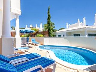 3 bedroom Villa in Vale do Lobo, Faro, Portugal : ref 5610348