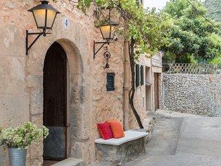 Villa Allegra, casa de pueblo en Randa