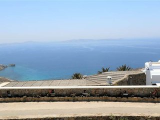 Cycladic sea view house 15 mins from Mykonos town!!