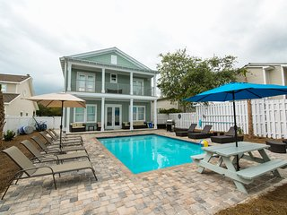 AUGUST SPECIAL!! Amazing! Brand New! Private pool!