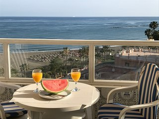 Beach front apartment hotel with nice seaviews, near Puerto Marina