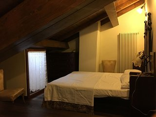 Borgo Anconella-Casa vacanze in tranquillo borgo sulle colline tosco-emiliane