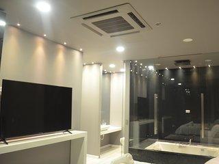 Mirage 2 bedroom luxury jacuzzi lleras loft