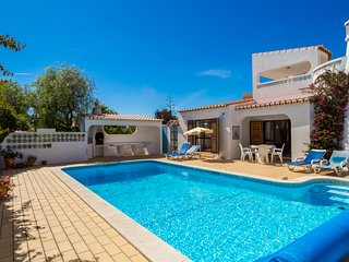 Beautiful 4 Bed Villa With Heated Pool Walking Distance to Golf Course & Beach
