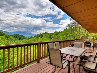 Views!! 9/6 Lux Lodge 20Seat-Theater/Pool/AirHockey&Foosball table Comm Pool PS2
