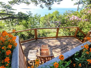 NEW LISTING! Waterfront house w/glorious bay views & entertainment-beach nearby