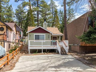 NEW LISTING! Cozy cabin with fireplace & loft - nearby skiing and beach access