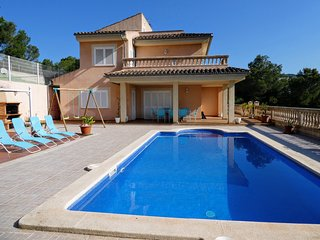 PALMANOVA VILLA NEAR THE BEACH WITH PRIVATE TENNIS COURT