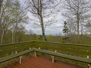 Hilltop home w/ deck, 180-degree view of Penobscot Bay - near festivals & more!
