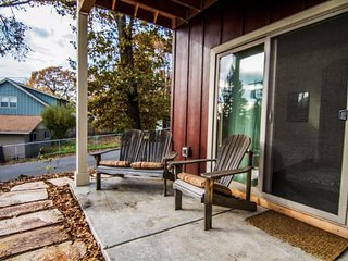 Cozy retreat with prime location - close to river adventures & more