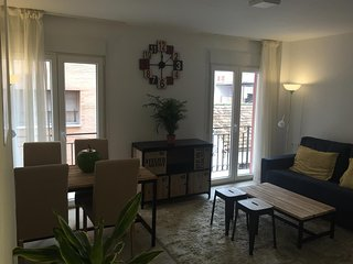 Apartment a short walk away (276 m) from the 'Playa de El Palo' in Malaga with I