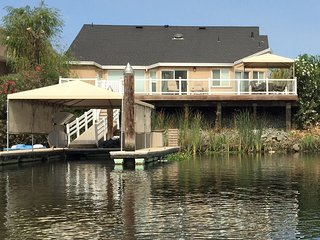 home on deep water w/ private dock