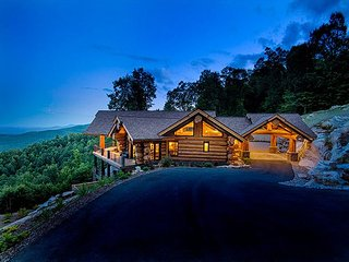 Paradise on Cliffledge | 10 Private Acres | 4995 Sq.Ft. Log Home w/ VIEWS