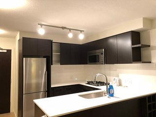 1 bdr condo, heart of Richmond, 5mins to skytrain