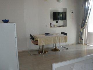 Ferienhaus 4449-1 für 3 Pers. in Vodice