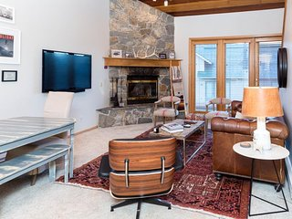Townhouse with a great location and ski-in/ski-out access! Free WiFi!