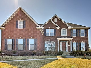 Magnificent Home Near Ann Arbor & Novi Showplace!