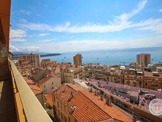 Sunny seaview apartment at two steps from Monaco