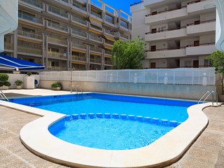 RUISEÑORES 151: Nice apartment in the center of Salou, 1 minute from the beach!