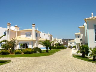Townhouse In Santo Antonio Villas, Golf And Spa Resort (aka Parque da Floresta),