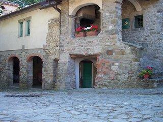 Castello di Sarna casa la Loggia