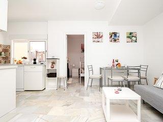 Los Boliches apartment - central location