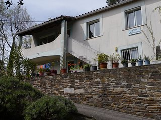 Five bedroom villa in pleasant spa town Languedoc