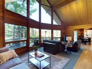 NEW LISTING! Cozy home near skiing, golf, and the lake - dogs OK