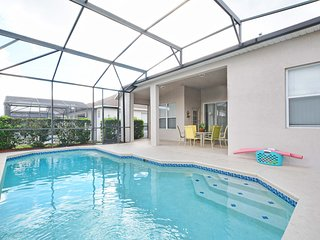 Family Friendly, free WIFI, 10 minutes to Disney, private pool, resort amenities