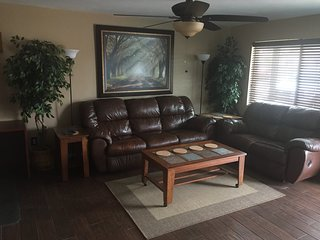 Corporate House (3 bedroom/2 bath) right by Mill ave, Airport & ASU!