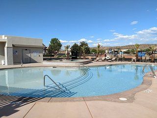 Gorgeous New Suite w/ a  View Townhome across from the splash pad and pool