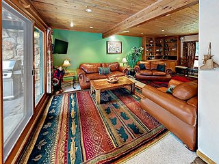 4BR European Chalet w/ Private Hot Tub - Minutes to Skiing & Vail Village