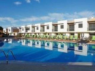 2 bedroom Villa in Patroves, Faro, Portugal : ref 5223867