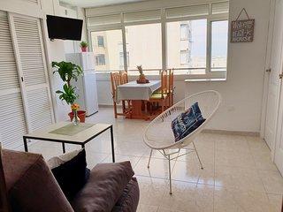 Bonito apartamento con piscina, luminoso y con vistas despejadas