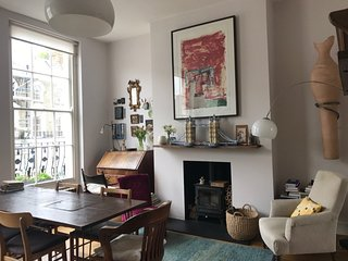 Beautiful Split Level 3 Bedroom Apartment in Primrose Hill, Camden