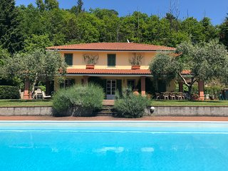 LAST MINUTE OFFER! VILLA SAN GIUSTO, Pool, Free WiFi, BBQ near Beaches & 5 Terre